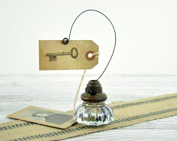 Vintage Recycled Door Knob Photo Holder / Wire Picture Note Card