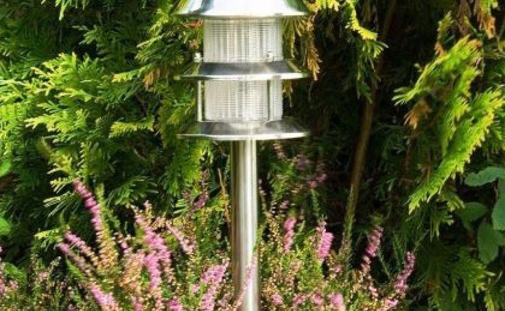 Lampy solarne nie zużywają prądu – słońce ładuje je w ciągu dnia.