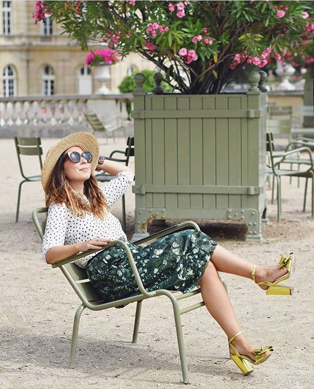 Mood of the day ☀️☀️☀️ with @hellovalentine wearing our HOPLA skirt #bellerose #prefall #thegoodlife