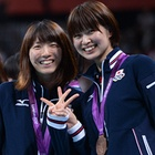 Japan Volleyball team got the bronze medal at London Olympic@江畑幸子と木村沙織、表彰式でVサイン。~ロンドン五輪2012~