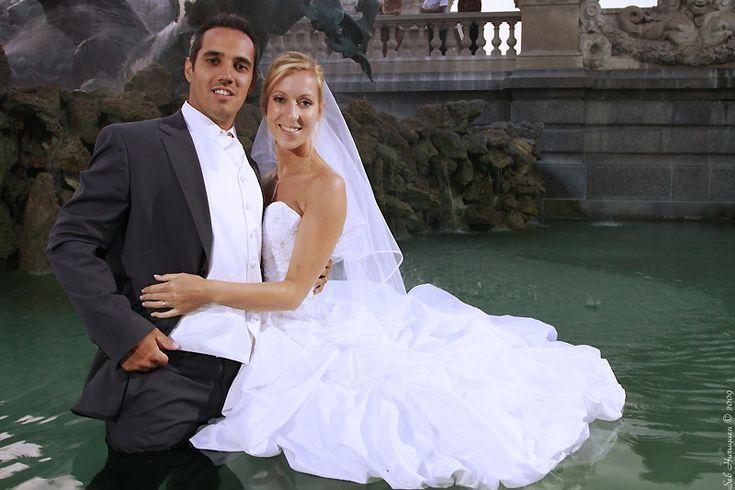 Mariage à Bordeaux séance trash the dress dans la fontaine des Girondins