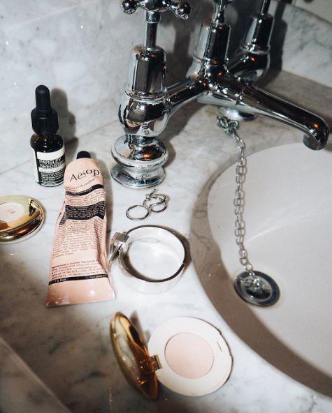 Aesop + marble #atpatelier #atpatelierweekends #aesop #bathroom