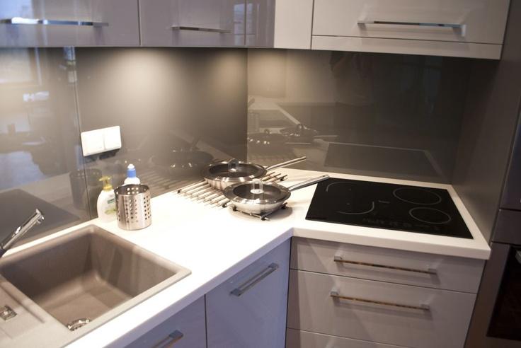 Kuchnia szary lakier połysk
