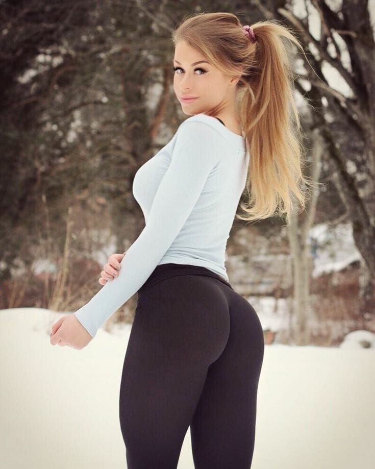 Pin On Pics Of Beautiful Girls In Yoga Pants