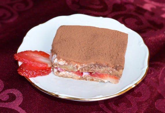 JAHODOVÉ TIRAMISU   Sladkosť dodá troška trstinového cukru a vanilkový proteín. A samozrejme, celé to osviežime a ozdobíme jahodami. Ideálny dezert (nie len) na Valentína! Potrebujeme: 250g ricotty 250g jahôd 1 ČL trstinového cukru odmerka vanilkového proteínu rumová esencia silná káva piškóty kakao na posypanie  Postup: V miske zmiešame […]