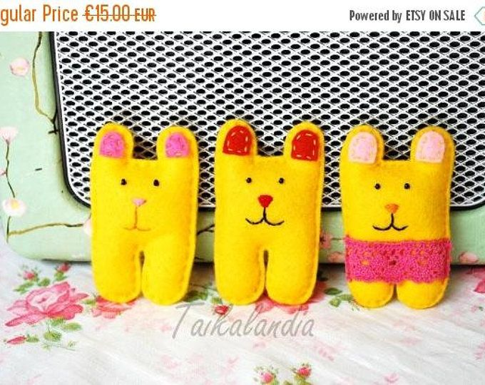 ON SALE Colorful Bear Brooch - Felt Bear Pin - Handmade Felt Brooch - Kawaii Brooch - Kids Jewelry - Kids Gift - Handstiched Brooch - Animal
