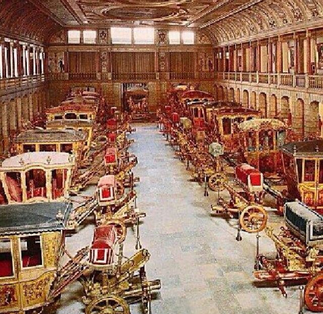 Versailles carriage room