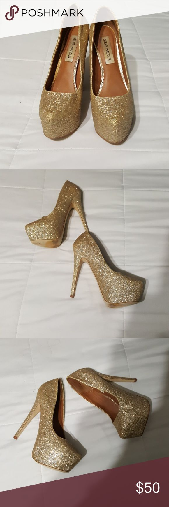 STEEVE MADDEN GLITTER HEELS 3 OUT OF 5 CONDITION  NO TRADES  REASONABLE OFFERS ONLY  HEEL IS 5 INCHES  1 INCH PLATFORM Steve Madden Shoes Platforms