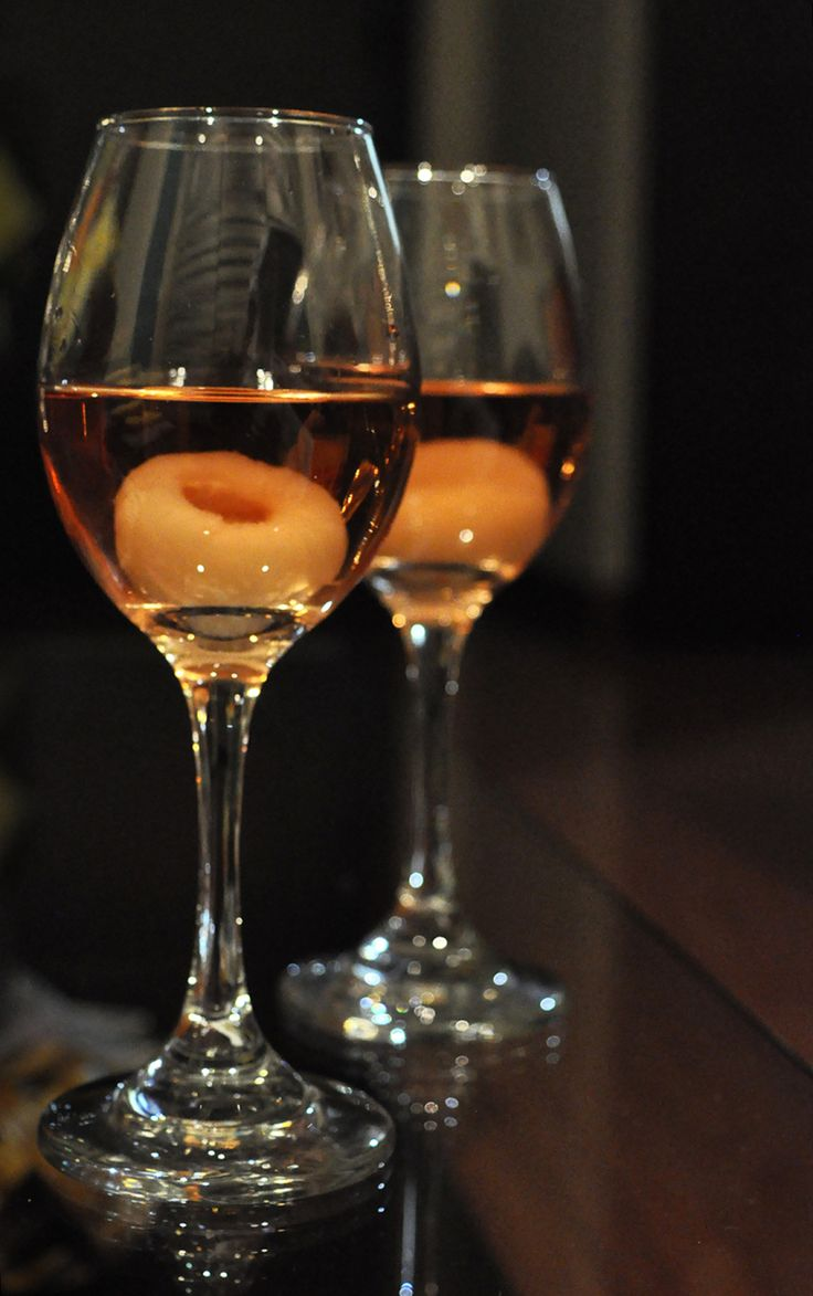 #Lychee #Rosé. The sweetness of the lychee and the freshness of the Rose, what more is there to ask? #flavourhunting #drinks #friday #happyhour