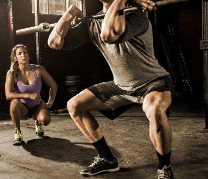 Los mejores estiramientos para mejorar tus levantamientos en el gimnasio