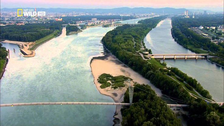 A németországi Fekete-erdőben eredő és a román-ukrán határon a Fekete-tengerbe ömlő Dunát a világ legnemzetközibb folyójának is szokták nevezni, hisz közel 3...