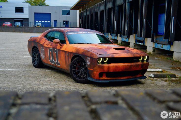 Dodge Challenger SRT-8 Hellcat 3