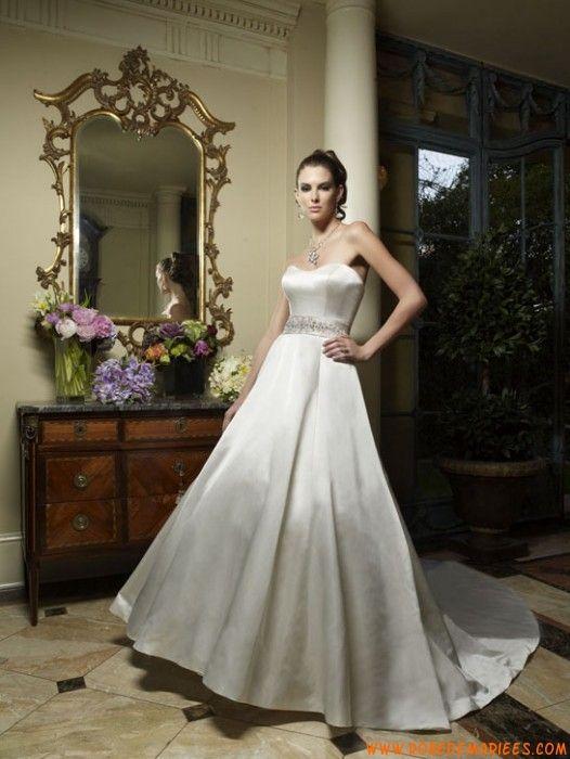 Robe de mariée couture satin ruban perles traine