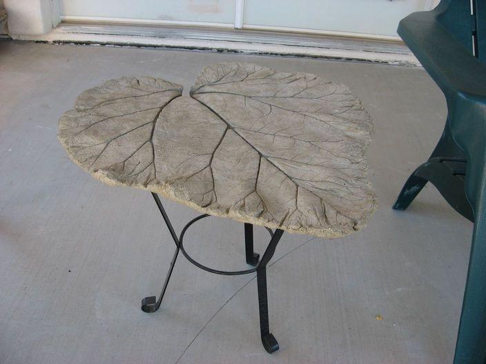 Hypertufa table. Hypertufa fascinates the sculptor in me.