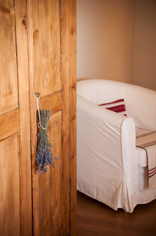 Details from inside one of the rooms #comfortableholiday #experienceuniquetransylvania @Cincsor.Transylvania.Guesthouses
