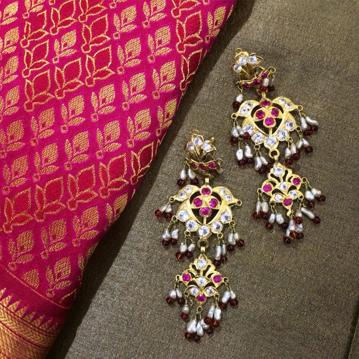 And this is what the mother will wear for her son's wedding! The earrings happen to be a piece of heirloom inherited by my mother from her mother i.e. my Nani. Even after so many years, the design and look is to die for, don't you agree! I am really glad that she chose to wear them for my brother Aditya's wedding. The earrings and saree make a fantastic pair!! I am sure dearest mommy is going to look stunning in them..