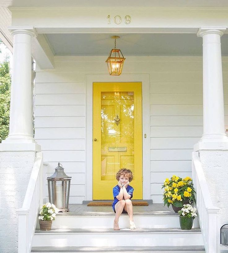 """191 Likes, 5 Comments - Benjamin Moore (@benjaminmoore) on Instagram: """"What a great first impression! Highlighter Yellow 2021-40 is certainly ready to brighten the whole…"""""""