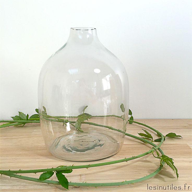 Vase en verre gris fumé - bonbonne - marie-jeanne en verre fumée - Sur Lesinutiles.fr - Photo ©Lesinutiles