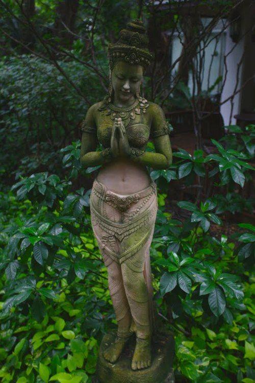 Stone goddess in the wooded garden, draped in sweet, clinging moss.: Gardens Statuari, The Gardens, Peace Gardens, Green Goddesses, Gardens Idea, Inner Peace, Peace Place, Backyard Gardens, Gardens Statues