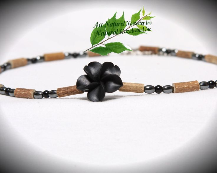 Hazelwood necklace - black flower