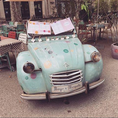 RESTAURANT CRUSH 🙌🏼 ________________________________________________________ Un nouvel article est en ligne où je vous parle d'un resto trop sympa à Montpellier où j'ai adoré manger. Leur voiture n'est pas trop cute ? 😍  Le lien est dans la bio les beautés 😉😘 ________________________________________________________ #potd #blog #instadaily #blogueuse #blogger #mtp #montpellier #blogging #frenchblogger #restaurant #article #food #bonplan #bonneadresse #cute #post #blogpost #lifestyle…