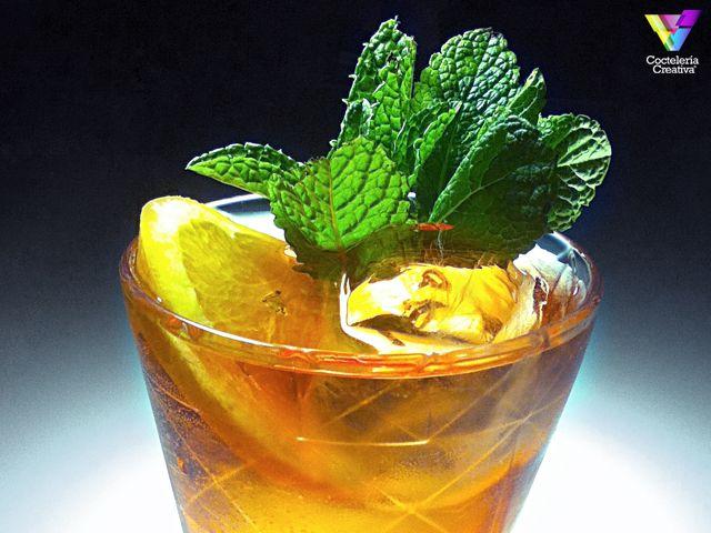 Shrub de Mezcal, un cocktail diferente que te encantará. Pruébalo en @ElParaiguaBcn