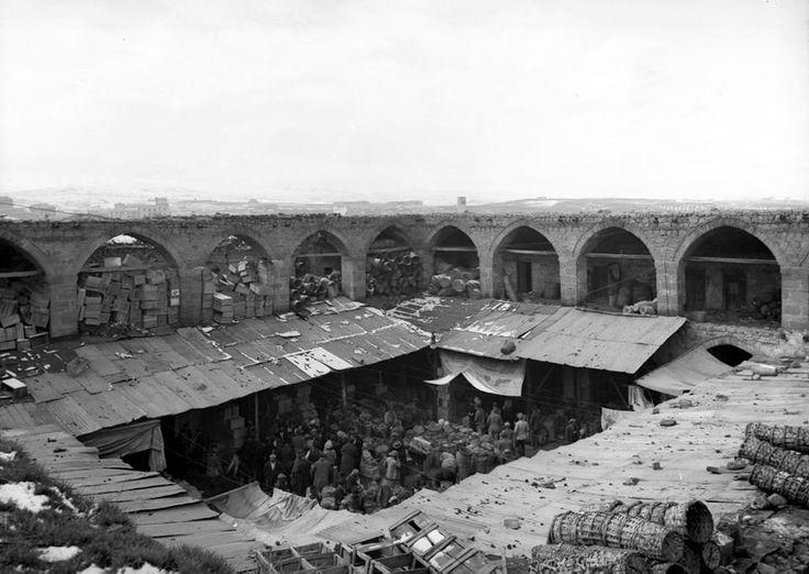Hasan Paşa tarafından yaptırılan Sulu Han (Hasan Paşa Hanı). Restorasyon öncesi, Ankara