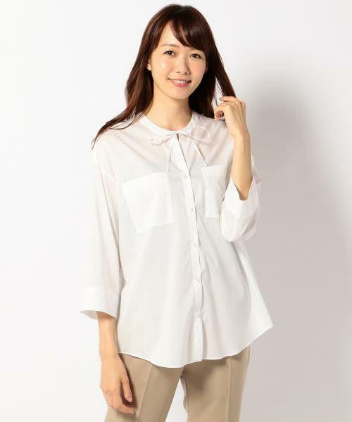 ICB Limply ブラウス ¥19,440税込 品番:BLCYLA0013 素材:綿:55%,ポリエステル:45% 夏に最適な定番素材。特殊形状の糸を使用しているため、ドライな肌触りと洗ったかのような風合いが特徴。オーバーボリュームで袖口をAラインに広げた夏のデザインブラウス。タックインしてスカートに合わせたり、アウトにして細身のパンツを合わせた着こなしがおすすめ。