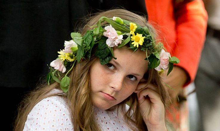 Midzomerdroom: Noorse Royals met bloemenkronen - Beau Monde