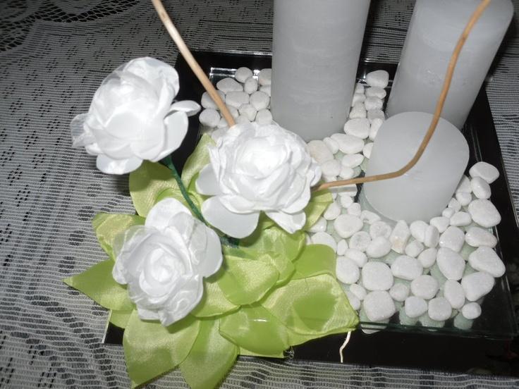 Mejores 35 imgenes de flores artificiales en Pinterest Centros de