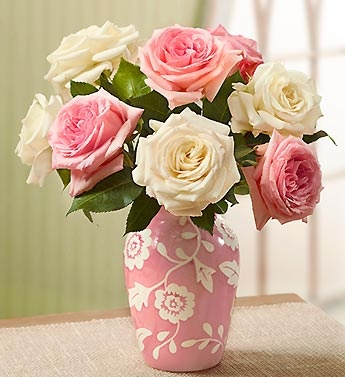 Pink and white garden roses in a matching pink and white floral vase bring the beauty and fragrance of rose gardens indoors! A perfect Mother's Day gift! #roses #pinkroses #whiteroses: Shabby Pink, Garden Roses, White Roses, White Cottage, Pink W Roses, Google Search