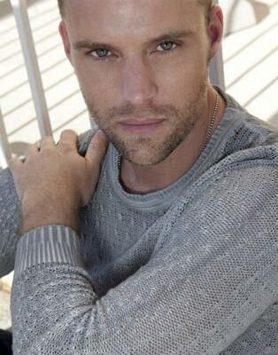 jesse spencer - definitely an appropriate Monday Man Crush. Glad to see someone else thought so too!
