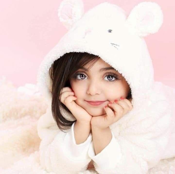 Small Girl In 2021 Cute Baby Photos Hd Cute Baby Photos Cute Babies