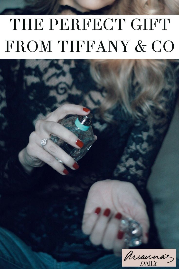 Looking for the perfect gift for that special someone in your life? Look no further. Tiffany & Co Eau de Parfum is a new bold scent created by world-renowned master perfumer Daniela Andrier of Givaudan. Click through to find out more #review #tiffanyperfume #tiffany