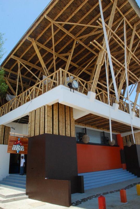 Discoteca Nativa Bambu. Diseño y Construcción Loaiza Construcciones. Montañita, Ecuador.