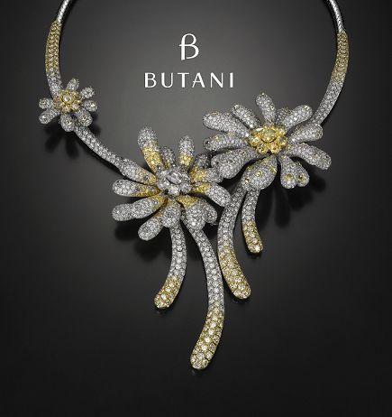 Artfully handcrafted summer daisies diamond necklace #Butani #ButaniJewellery #summer #daisy