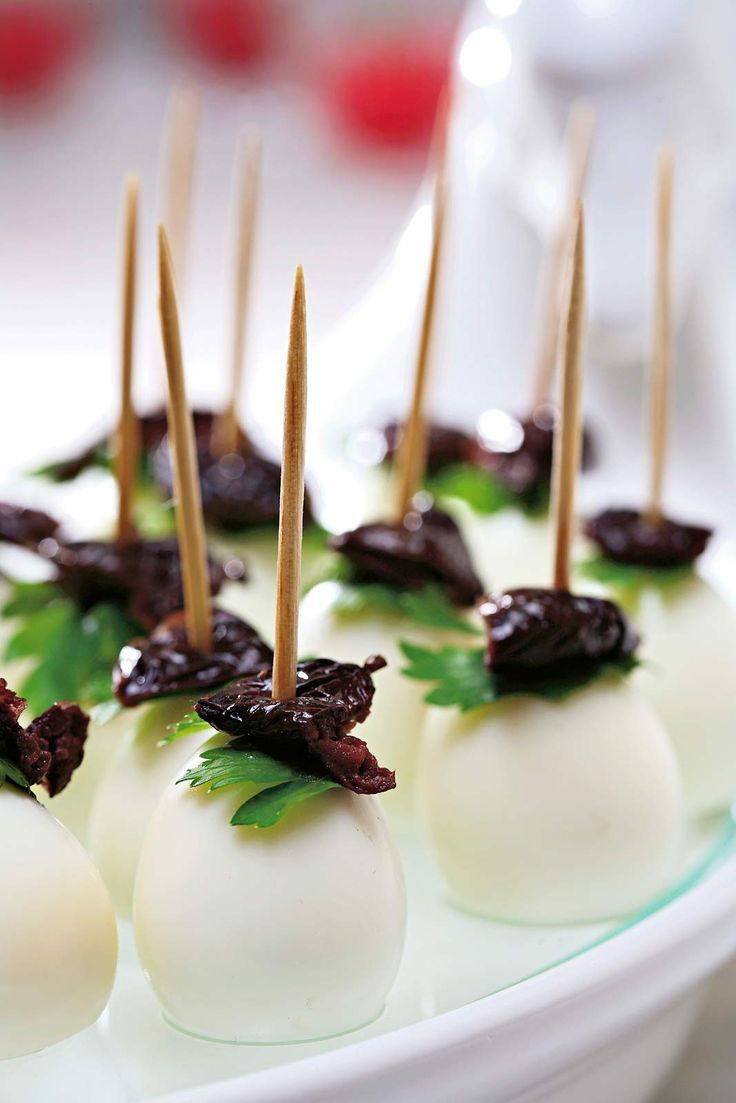 Gold and White Wedding. Buffet Dinner, Late Night Snack, Appetizer. Mozzarella & Olive Bites