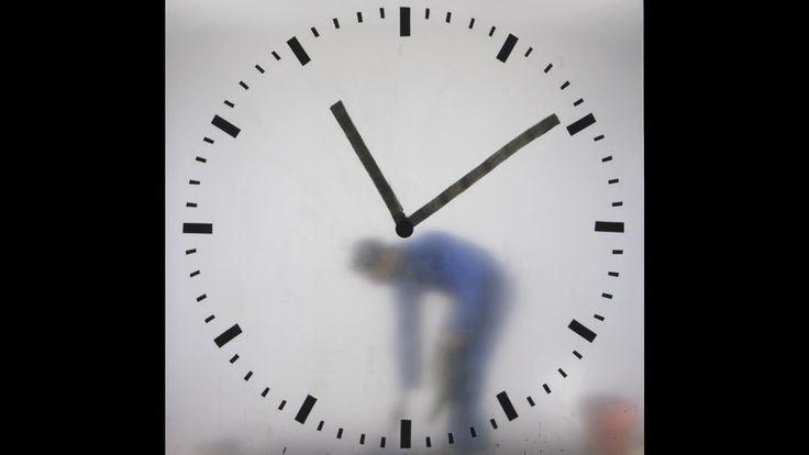Maarten Baas, Real Time: Schiphol Clock