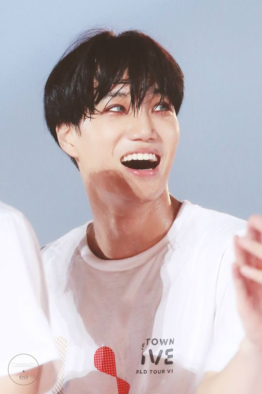 Kai with colored eyes killing me one wink at a time