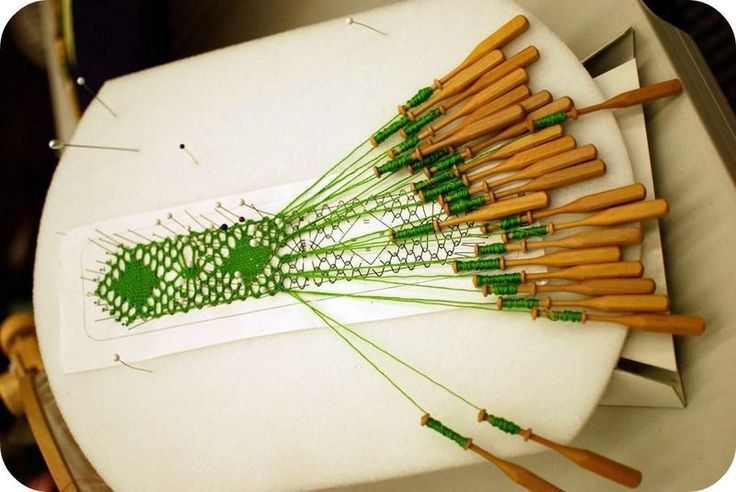 lace making by hand. amazing.