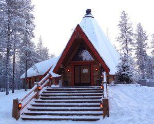 Le Restaurant Lapon Kotahovi dans le Village du Père Noël à Rovaniemi en Laponie