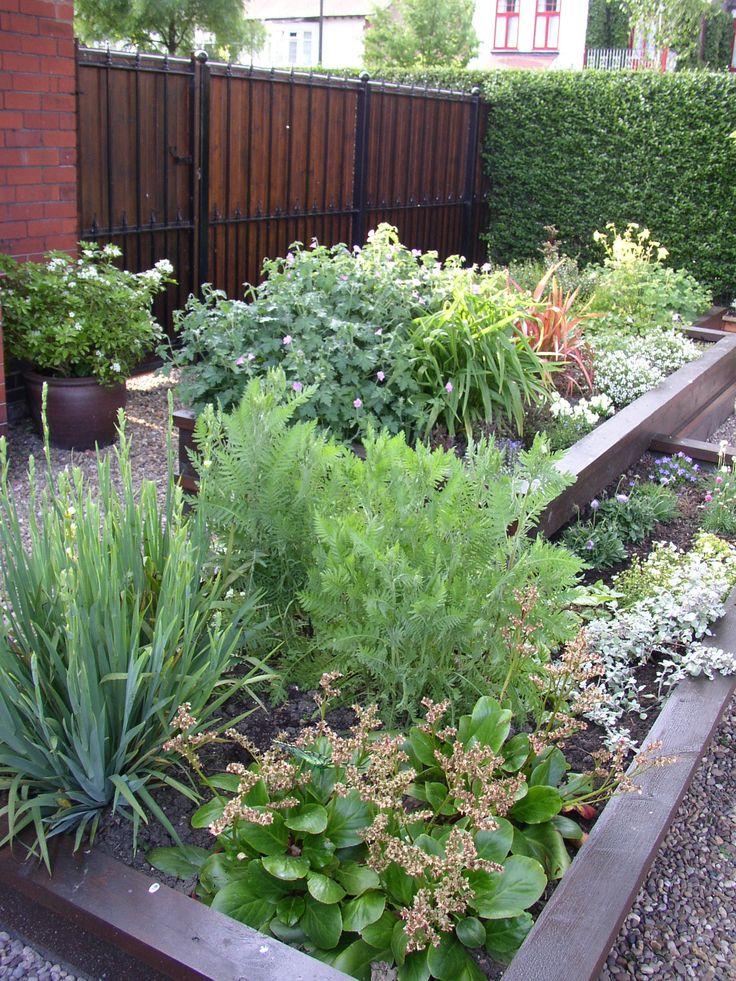 25+ Unique Small Front Gardens Ideas On Pinterest