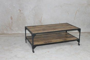 Soffbord på hjul 135x75x50 cm (rek.pris 5000 kr) / Möbler industriell stil