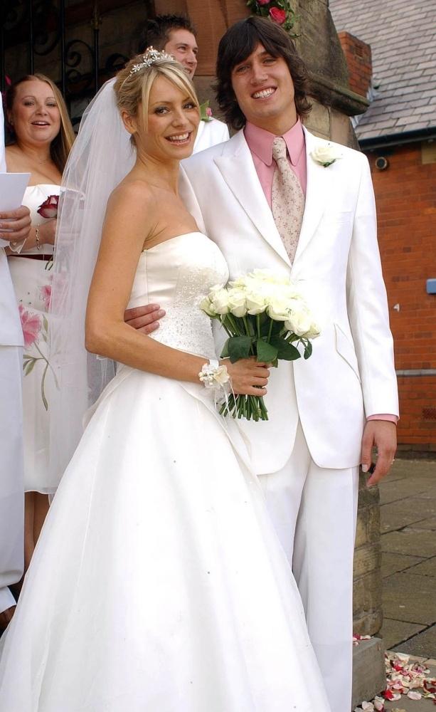 Celebrity Wedding Dresses 1990s : Celebrity wedding dresses weddings couples tie the