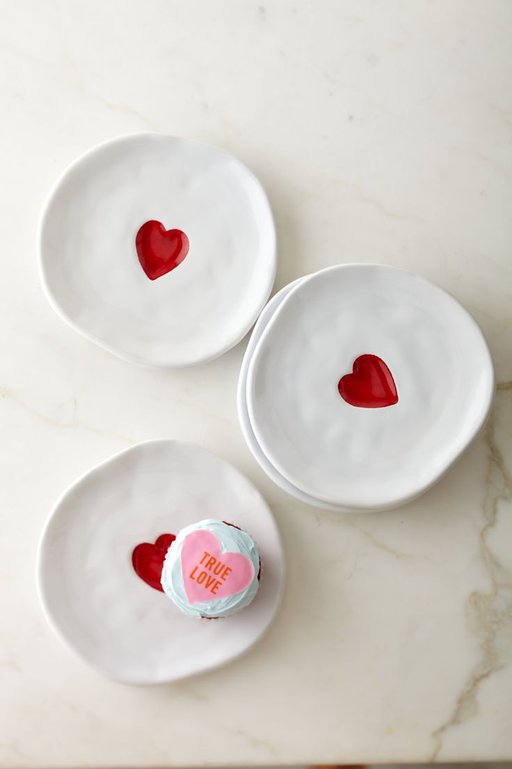 Williams-Sonoma Valentine Heart Plates