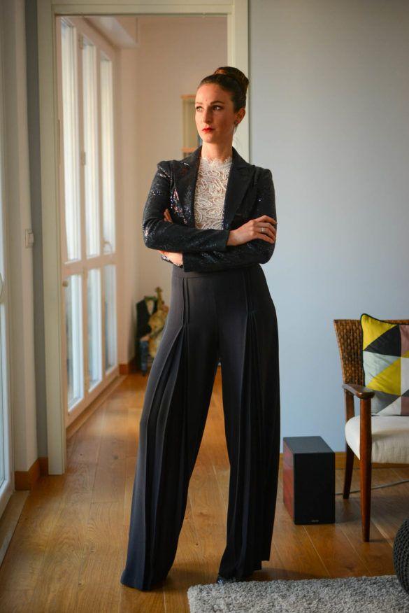 Sparkling Blue - De Stijl Fashion Blog   Irene Bonfanti outfit, blue paillettes, armani
