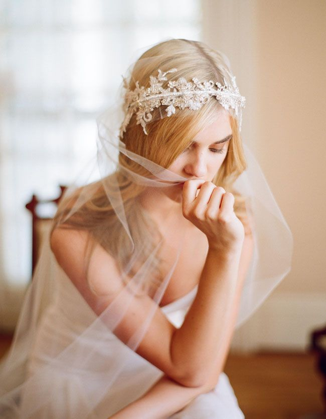 Cost saving veil idea: use an unadorned piece of tulle for the veil and let the headpiece take center stage. #MayWeddingPhotoChallenge