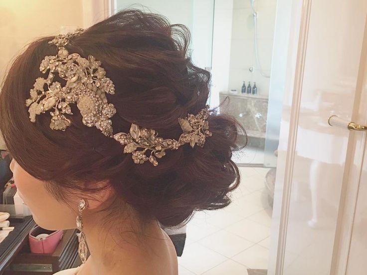 "169 Likes, 5 Comments - aco (@aco___7) on Instagram: "". wedding . . 可愛いヘッドだったな☺️ . #wedding#weddingdress #weddinghair#bridal #ウェディング#ウェディングドレス…"""