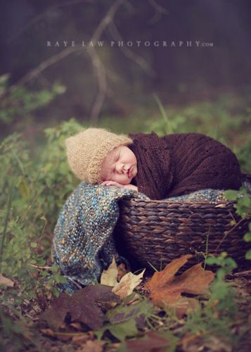 Outdoor Newborn.  definitely Doing this with my angel whenever she decides to show her sweet face.