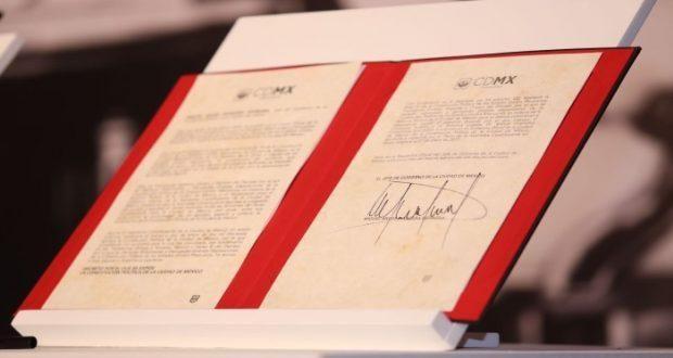 Atestigua Gobierno CDMX entrega de nueva Constitución